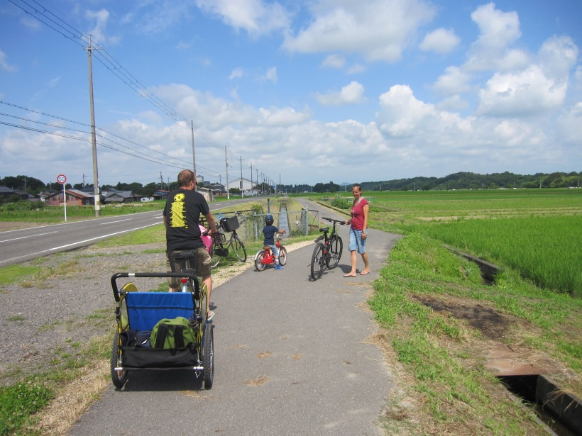 オランダ人家族サイクリング