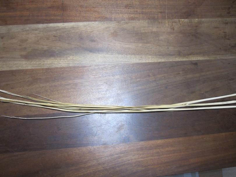 藁の束 (2)